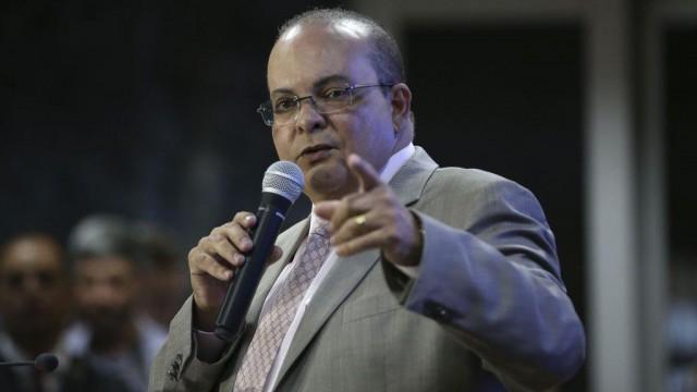 Governador Ibaneis Rocha (MDB), assinou o Decreto de Aprovação do Projeto Urbanístico de Regularização do Setor Primavera, em Taguatinga (DF)