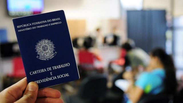 Oportunidade: Mercado oferece 100 vagas de emprego para digitador
