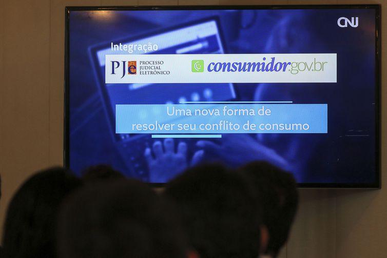 Código de Defesa do Consumidor completa 30 anos; compras online crescem